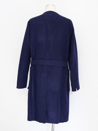 [rewords/rewordsdesign] NEEDLEPUNCH SHAGGY BONDING COLLARLESS GOWN / BLU*BLK